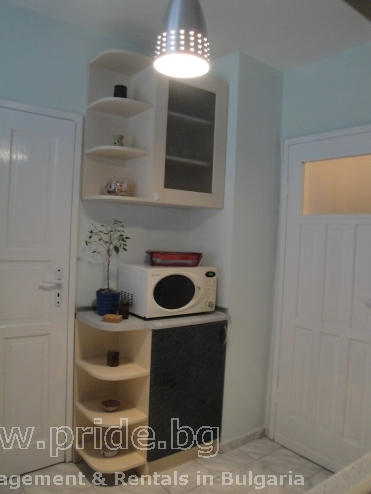 New renovated 2 bedroom apartment